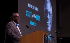 Rockhurst alumnus and Kansas City mayor Sly James delivers final speech